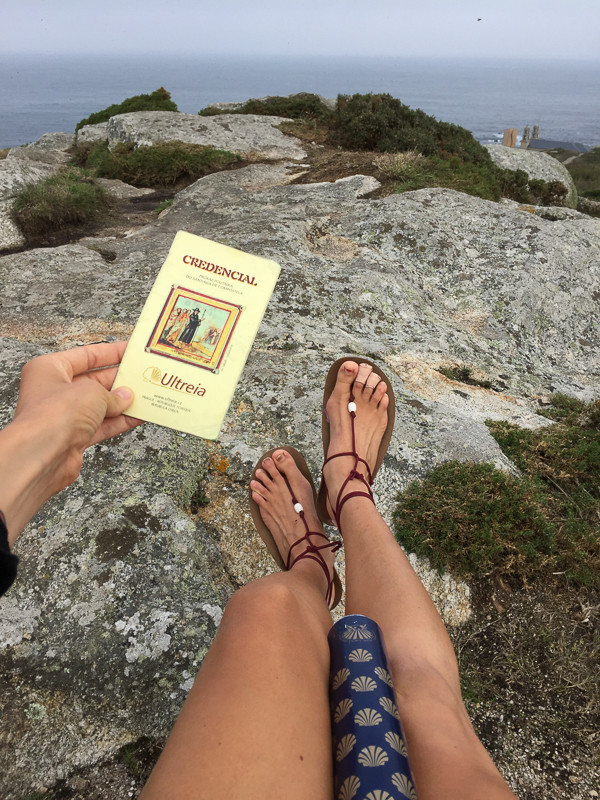 Poutnický průkaz a sandálky