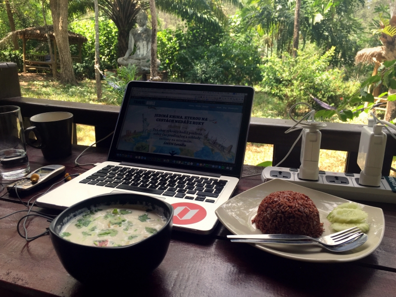 Kokosová polévka na Ko Lantě