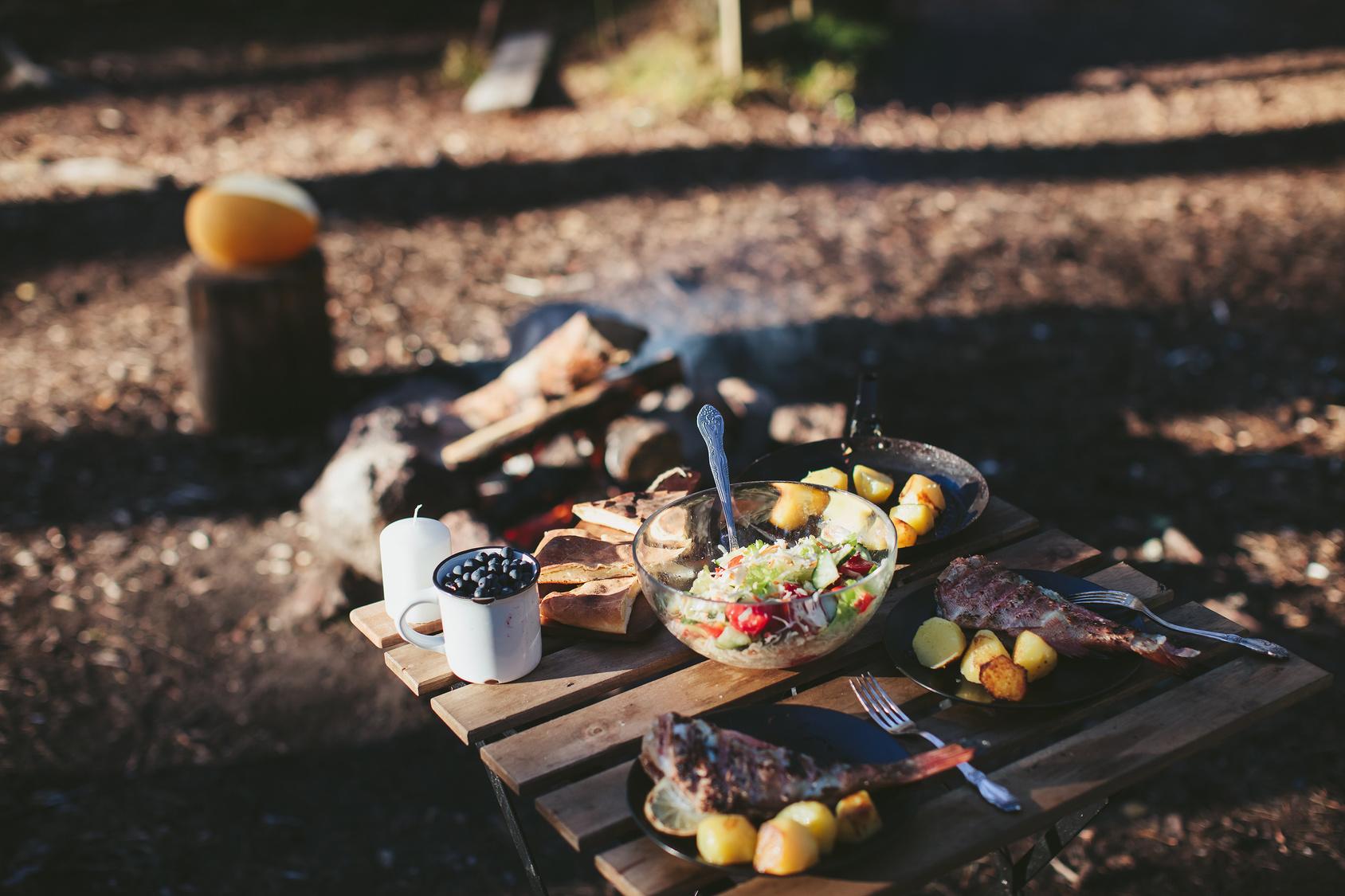 <b>Gastronomický průvodce cestovatele: Jídlo při cestách autem a karavanem (1.)</b>
