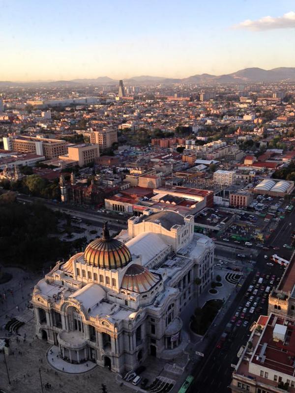 Výhled na Mexico City a Palacio de bella