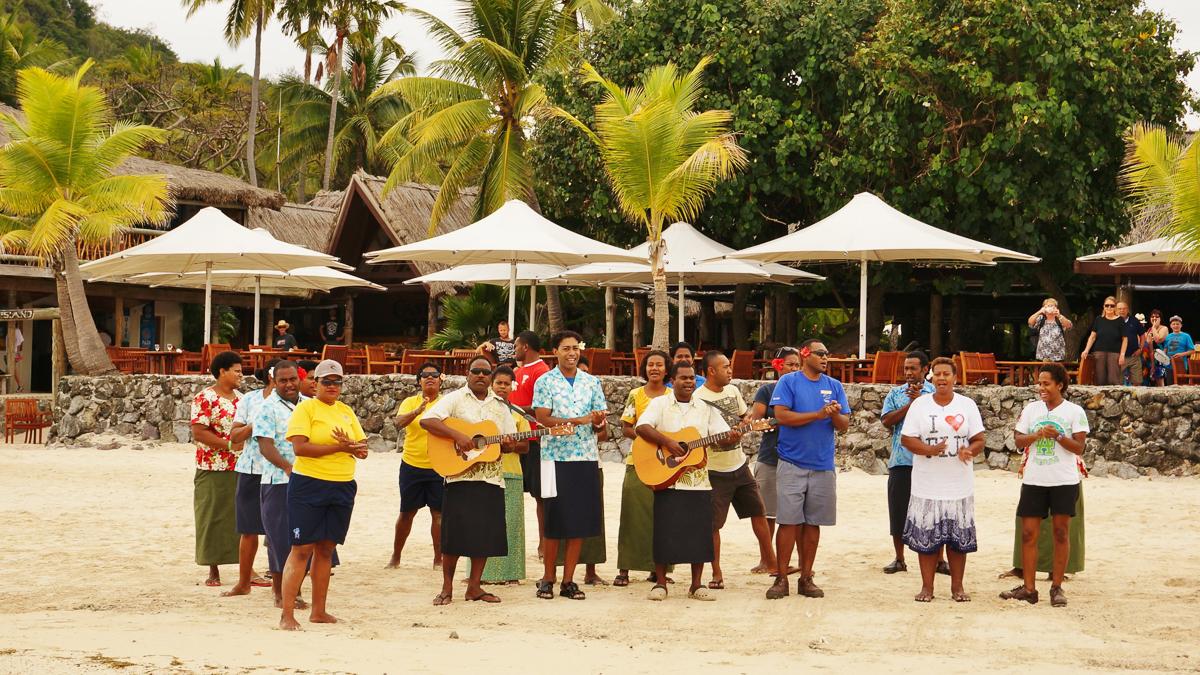Uvítací rituál na ostrově Castaway