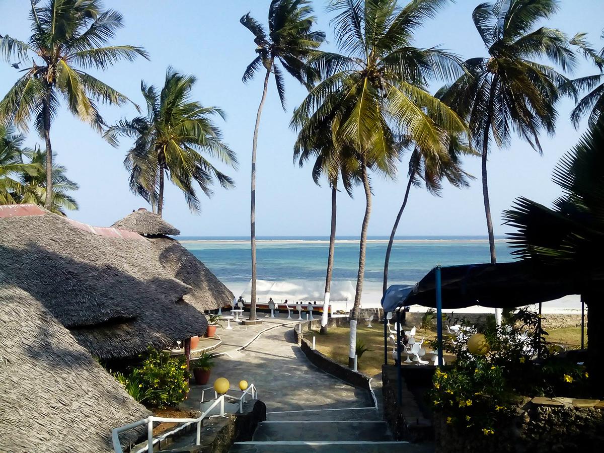 Pláž v Mombase s výhledem na Indický oceán