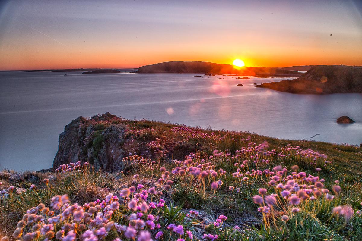 Jarní západ slunce v NP Connemara