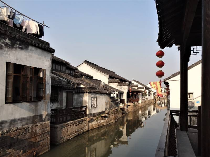 Pohľad na jeden zo suzhouských kanálov