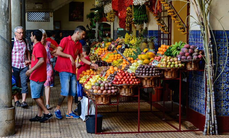 Mercado dos Lavradores – místní tržiště ve městě Funchal, kde naleznete bohatou nabídku čerstvého ovoce