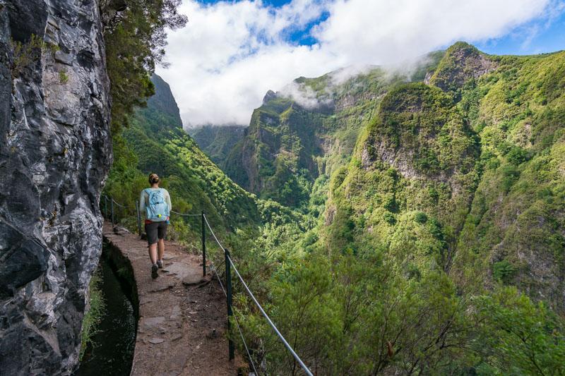 Nádherný výhled při levádě Caldeirão Verde