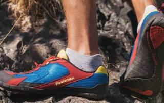 <b>Zdravá chůze na cestách: klasická obuv versus barefoot</b>