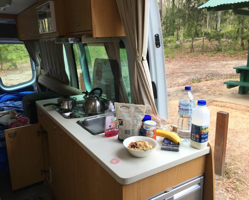 relokace karavanu austrálie