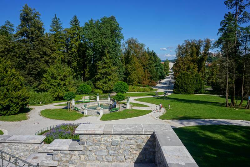 Rozlehlý park Tivoli Slovinsko