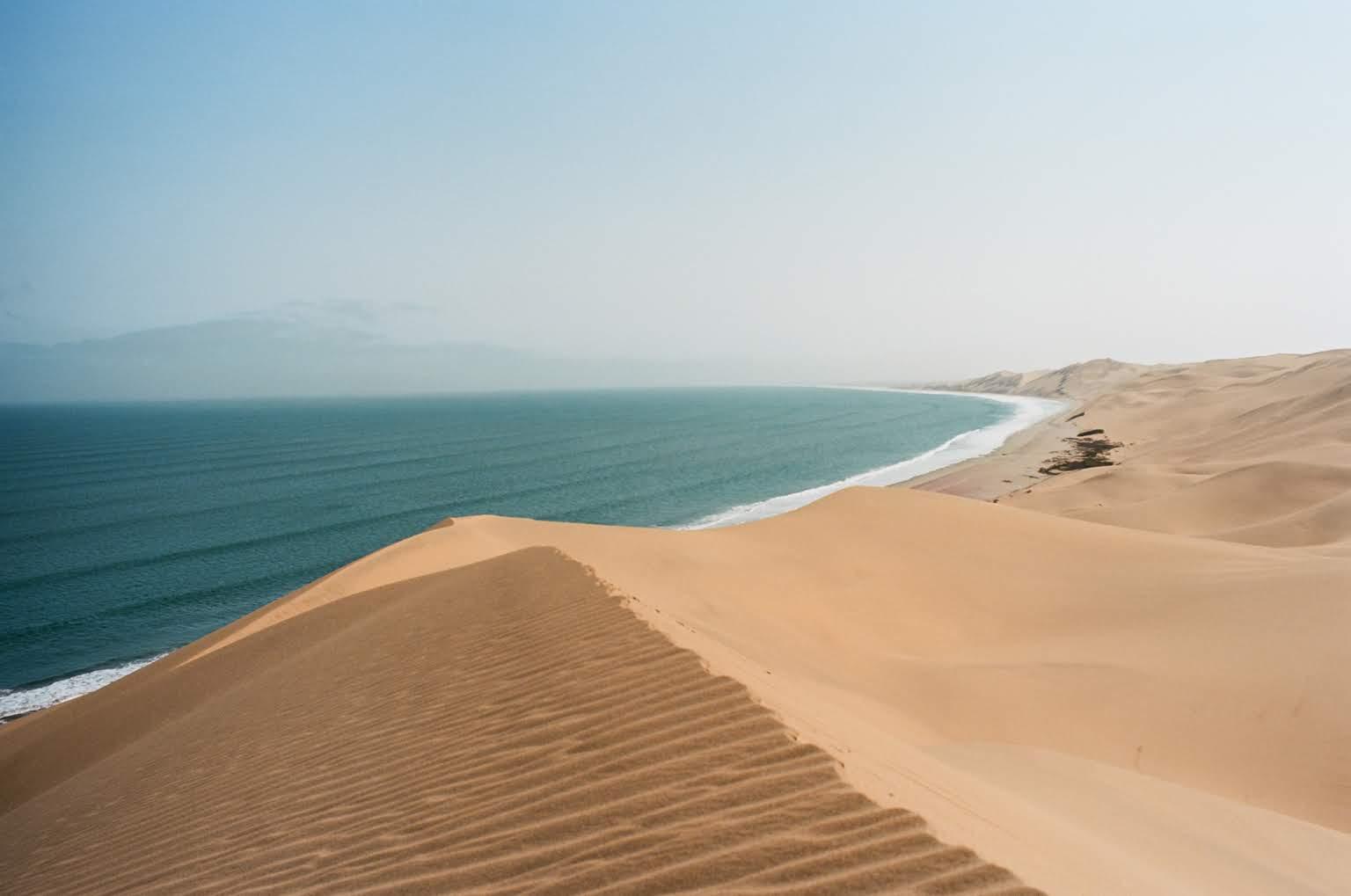 Tam kde poušť potkává oceán