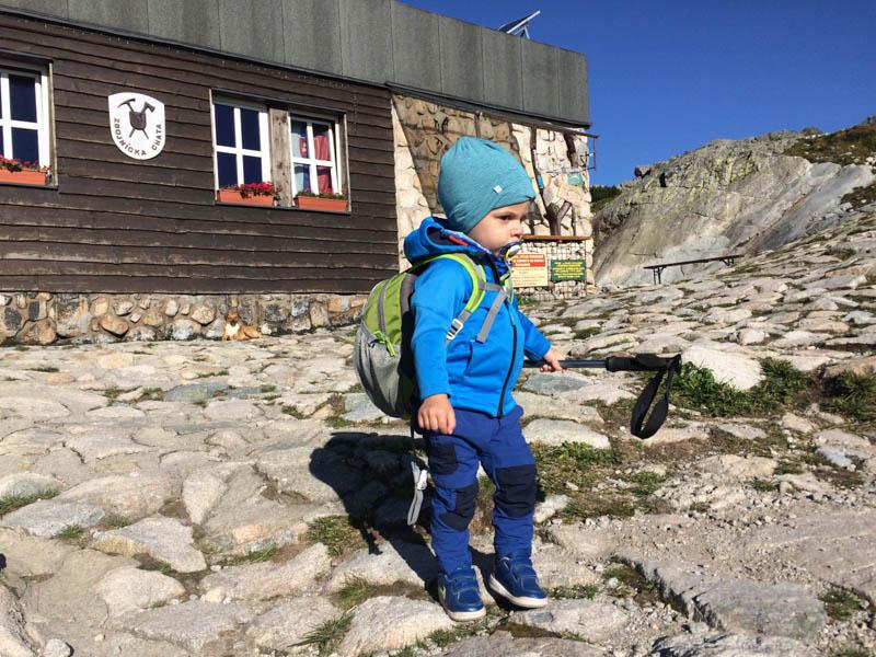 horská turistika s batoletem