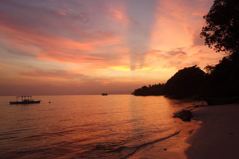 Západ slunce – pláž Anda (Bohol)