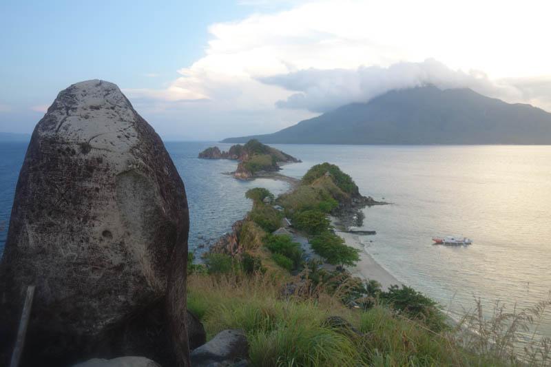 Pohled z vyhlídky na ostrůvku Sambawan