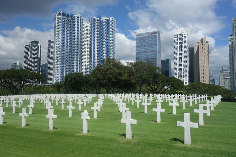 Hřbitov amerických vojáků v městě Taguig (Metro Manila)