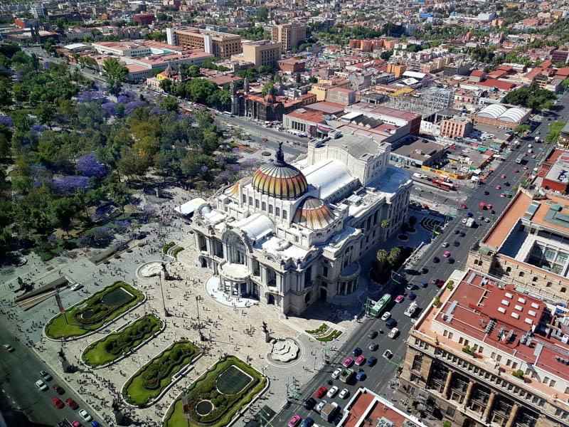 Výhled na muzeum umění z věže Latinoamericana