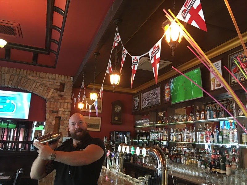 koktejly v budapešti