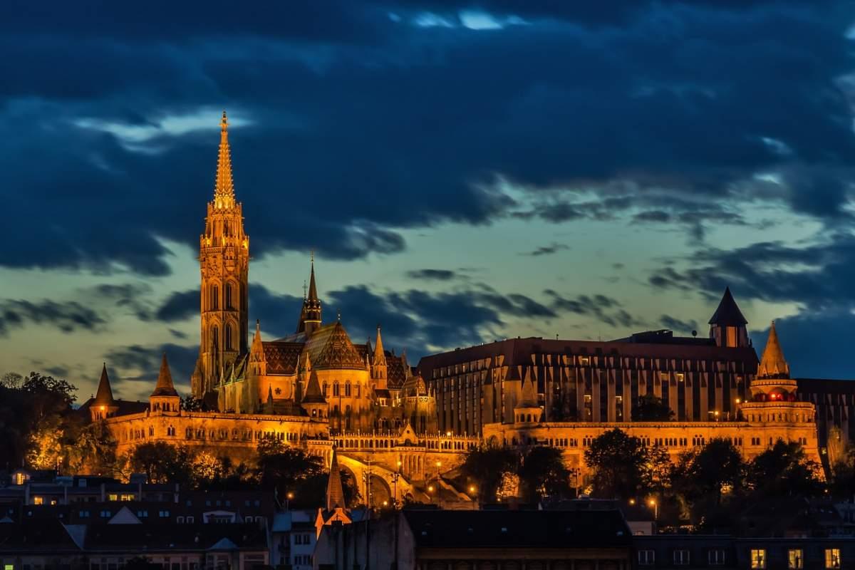 <b>Budapešť – mesto s nádychom histórie</b>