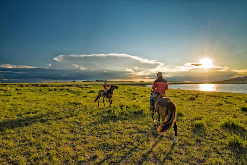 nomádi v mongolsku